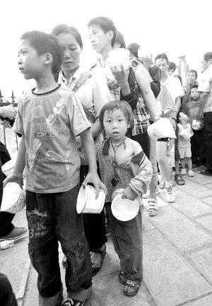 云南彝良灾区517所学校受损失 24名学生伤亡