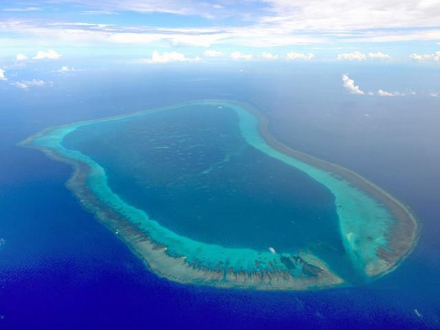 """菲防长忧中国最终会在黄岩岛展开岛礁建设 称""""不可接受"""""""