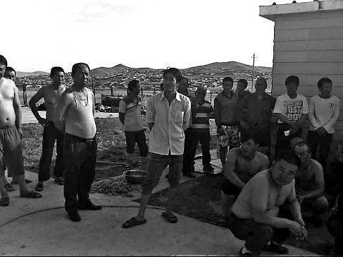 83名中国工人被困蒙古国 遭拖欠300多万工资
