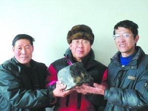 青海陨石雨降下几百块陨石 最重达12.5千克