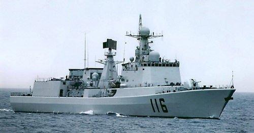 海军驱逐舰与空军战斗机在某海域对抗演练