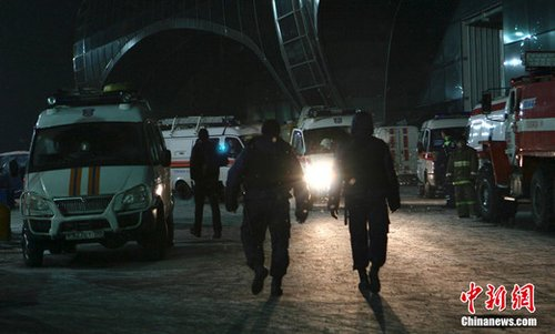 当地时间1月24日16时32分,俄罗斯首都莫斯科多莫杰多沃机场发生自杀式恐怖爆炸事件,导致35人死亡,180人受伤。俄出动强力部门全力侦破爆炸事件。中新社记者 田冰 摄