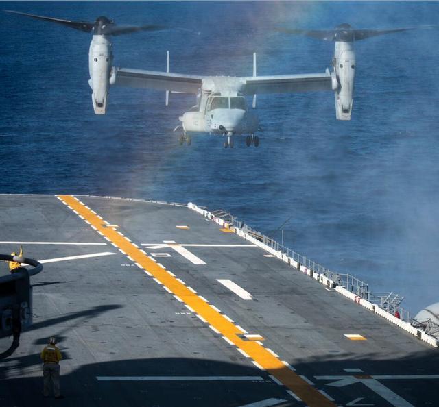 专家:美军两栖攻击舰现身东海意在向中国施压