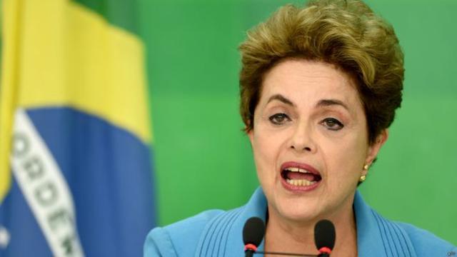 巴西史上首位女总统罗塞夫被罢免总统职位
