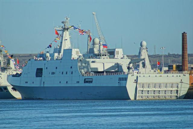俄罗斯喉咙里的钢针:为何连071登陆舰都无法造