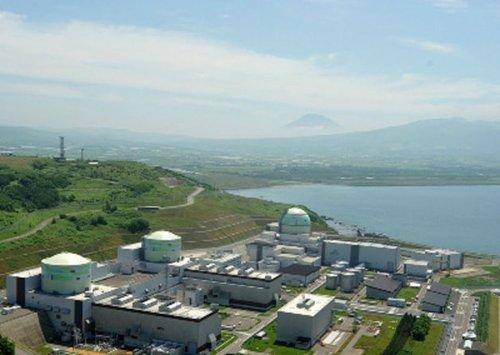 据法新社2012年5月5日报道,在日本福岛核事故发生一年多后,日本北海道