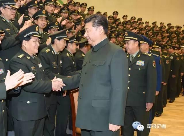 习近平视察解放军报社 亲自发微博祝全军新年快乐