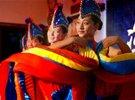 高清图:彝族姑娘歌舞祝福嫦娥奔月