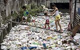 触目惊心!菲律宾贫民窟河流如同垃圾填埋场