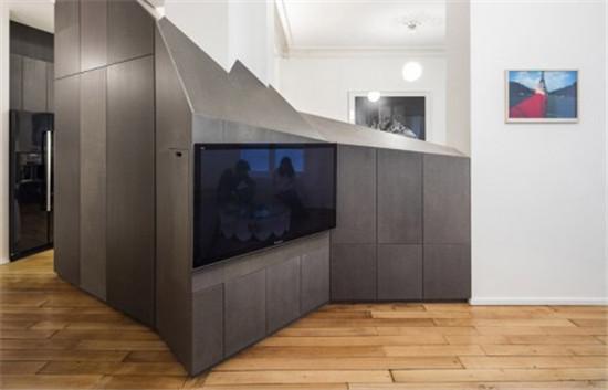 巴黎80平米小公寓改造热衷于收藏与宠物的年轻情侣的家