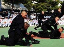 中国海军特战队员集体剃锅盖头
