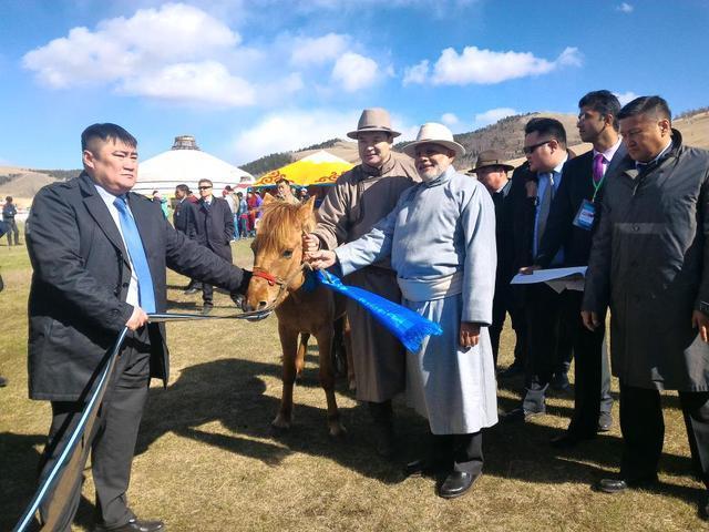 """蒙古驻印大使请求莫迪出面 对抗""""中国封锁"""""""