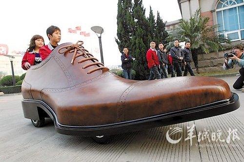 """图文:手工缝制""""鞋车""""亮相浙江"""