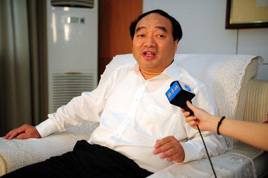 重庆北碚区委书记雷政富被曝不雅照 官方正核实