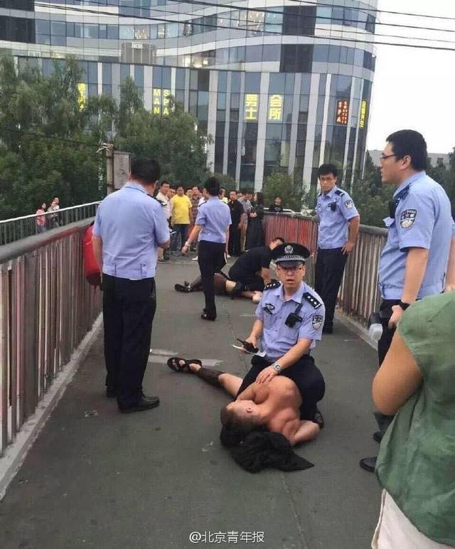 外国模特扮演斯巴达勇士|外国模特北京街