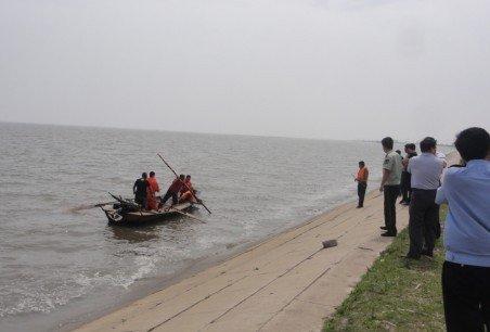 哈尔滨一中学女生溺水 5名同学拉手营救4人遇难