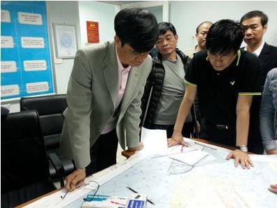 越南交通部副部长:油带很可能是失踪飞机洒落的