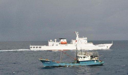 """专家:30艘渔船""""抱团"""" 政治意义大于经济意义"""