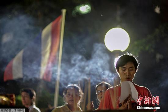 泰国进入国丧期 赴泰游客注意禁酒谨言穿着得体