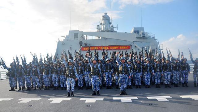 范长龙赴南沙视察岛礁 显示中国击退挑战的决心