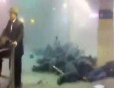 俄机场遭7公斤炸弹袭击 车臣恐怖分子疑凶手