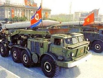 朝鲜接连发射25枚战术火箭 或为抗议美韩军演