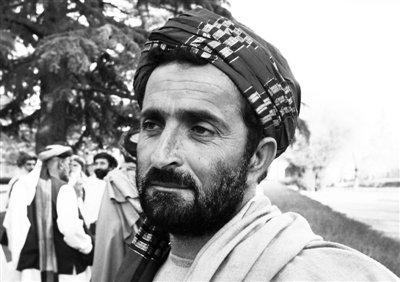 失去11名亲人的阿富汗人瓦兹尔至今仍伤心欲绝。