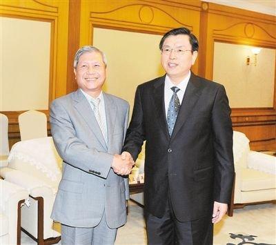 张德江:重庆要坚持改革开放保护投资人利益
