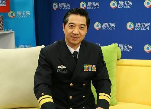 """海军少将张召忠:""""文将军""""的""""明星路""""(图)"""