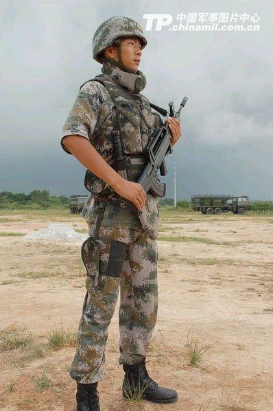 军报展示解放军全套新款单兵装备