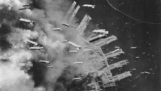 日本没吃没喝即将投降 美国为何还要扔原子弹