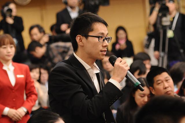 第一财经全媒体记者提问。人民网记者 张启川/摄影