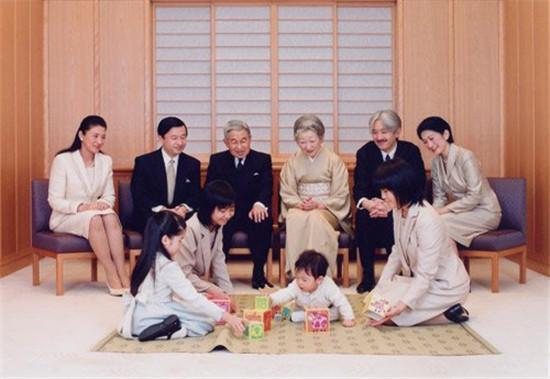 日本青年现在不愿去恋爱结婚