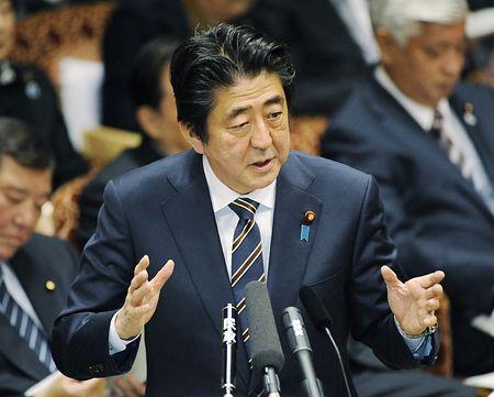 日媒:日本首相安倍将无投票连任自民党总裁