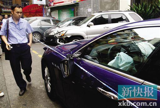 高清图-白云区同和镇广州大道北蟹山女司机开玛莎拉蒂撞多车