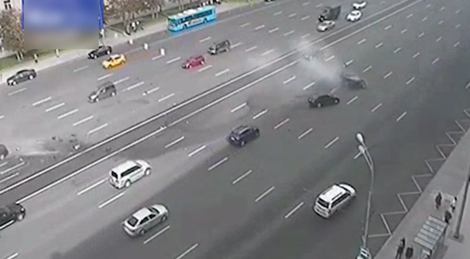 普京专车发生交通事故 司机当场死亡 - 海阔山遥 - .