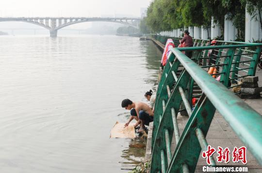 广西纪委回应柳州市长落水身亡事件:未对其进行任何调查