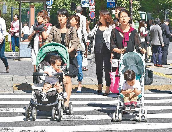 中国不少夫妇会在海外找寻第三方辅助生殖产子。