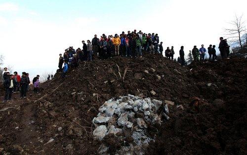 云南否认采矿致山体滑坡 46名遇难者名单公布