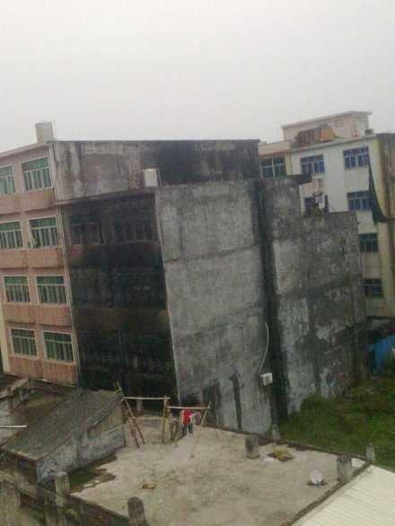 高清图—汕头潮南区新溪西乡文胸作坊被人纵火 14名少女遇难