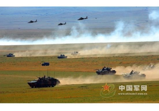 朱日和建成全军惟一集团军规模陆空联合演习基地