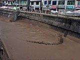 泥石流充塞河道