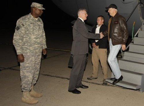 美国副总统登重申美军将如期全部撤离伊拉克