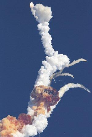 印度发射卫星当空爆炸 航天国产梦遇挫(图)