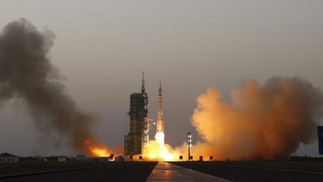 神舟十一号飞船成功实施首次轨道控制