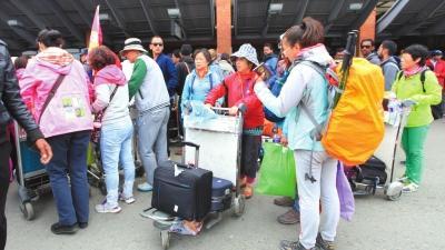 中国驻尼使馆:约2000名游客从尼泊尔平安回国