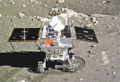 中国玉兔号月球车沉睡14天后今天恢复工作