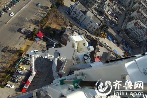 101米世界级消防车落户青岛 刷新高度之最(图)