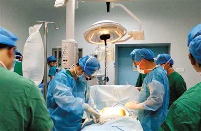 广西小伙去世心脏4小时抵京救12岁男孩(图)