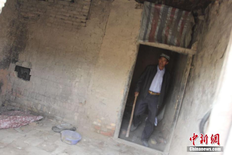 新疆乌什县民警田地废弃砖厂搜捕暴徒2014.8.12 - fpdlgswmx - fpdlgswmx的博客